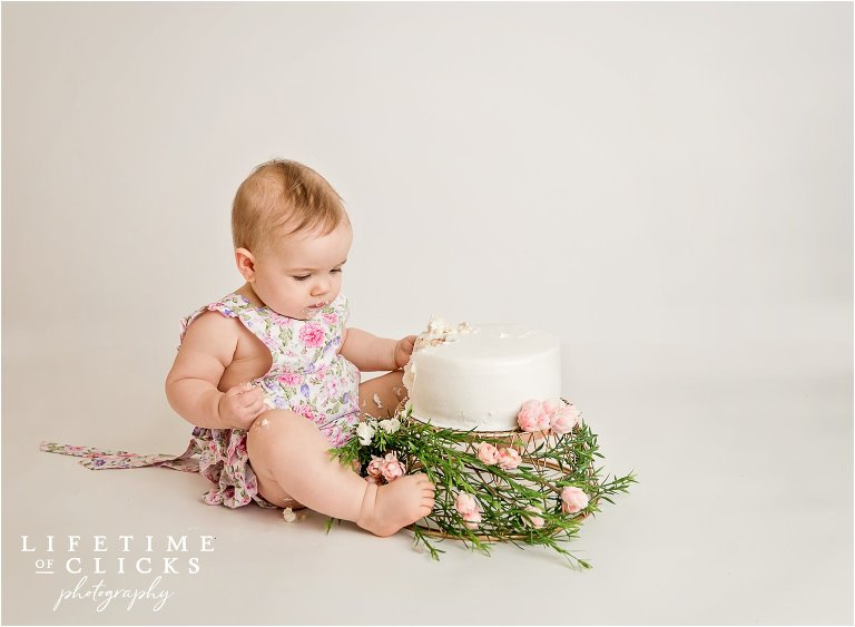 cake smash session for one year old
