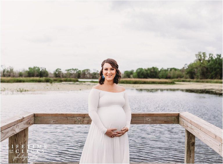 Wife documenting her pregnancy
